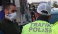 Koronavirüslü trafik polisine yakalandı