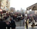 Tedbirler hiçe sayıldı 'korona meydanı' kuruldu