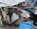 İşçi minibüsü tırla çarpıştı: 6 ölü