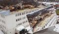 Fırtına okul çatısını uçurdu