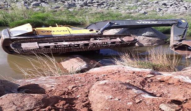 Şanlıurfa'da kaza 15 metrelik uçurumdan yuvarlandı