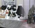 Patlayıcı madde ve bomba ele geçirildi