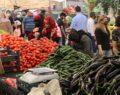 Şanlıurfa'da vatandaşlar semt pazarlarına akın etti