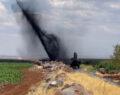 Urfa'da boru hattı delindi metrelerce yükseğe petrol fışkırdı