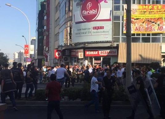 """urfa'da """"Suriyelileri istemiyoruz"""" protestosu"""