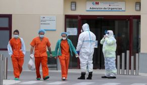 Binlerce sağlık çalışanı koronavirüse yakalandı
