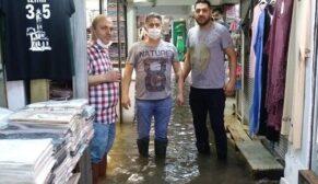 İzmir'de yağış hayatı felç etti