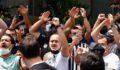 Beşiktaş taraftarı Sergen Yalçın için toplandı