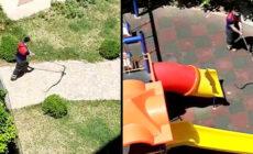 Çocuk parkında yılan paniği