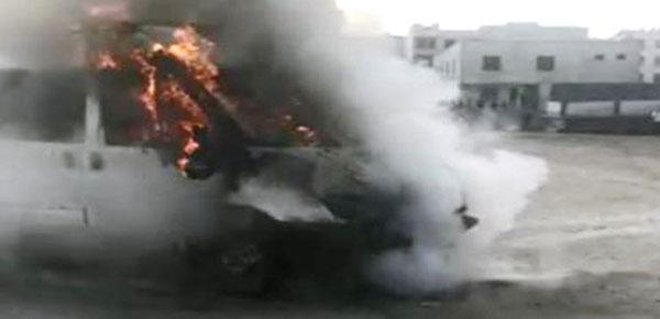 Şanlıurfa'da minibüs alev alev yandı