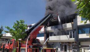 Terlik fabrikasında yangın