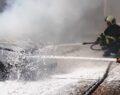 Şanlıurfa'da park halindeki araç yanarak kül oldu